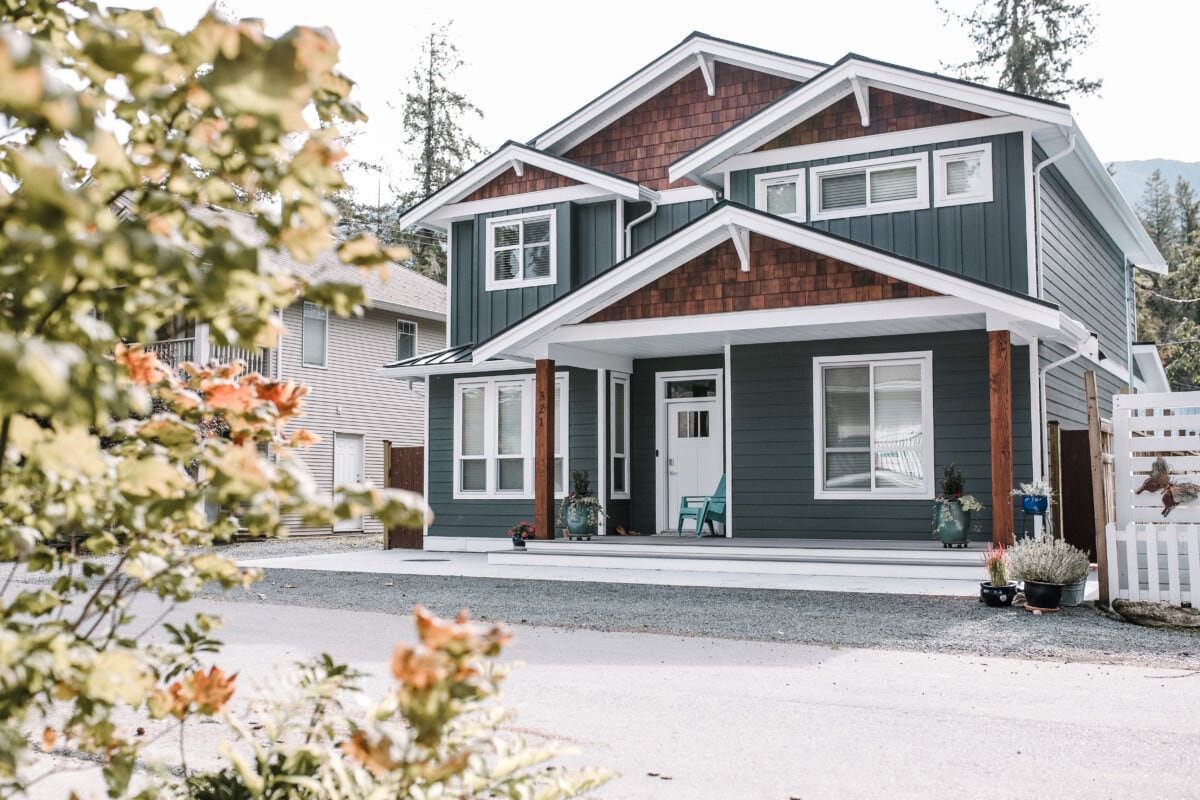 custom home in Cultus Lake