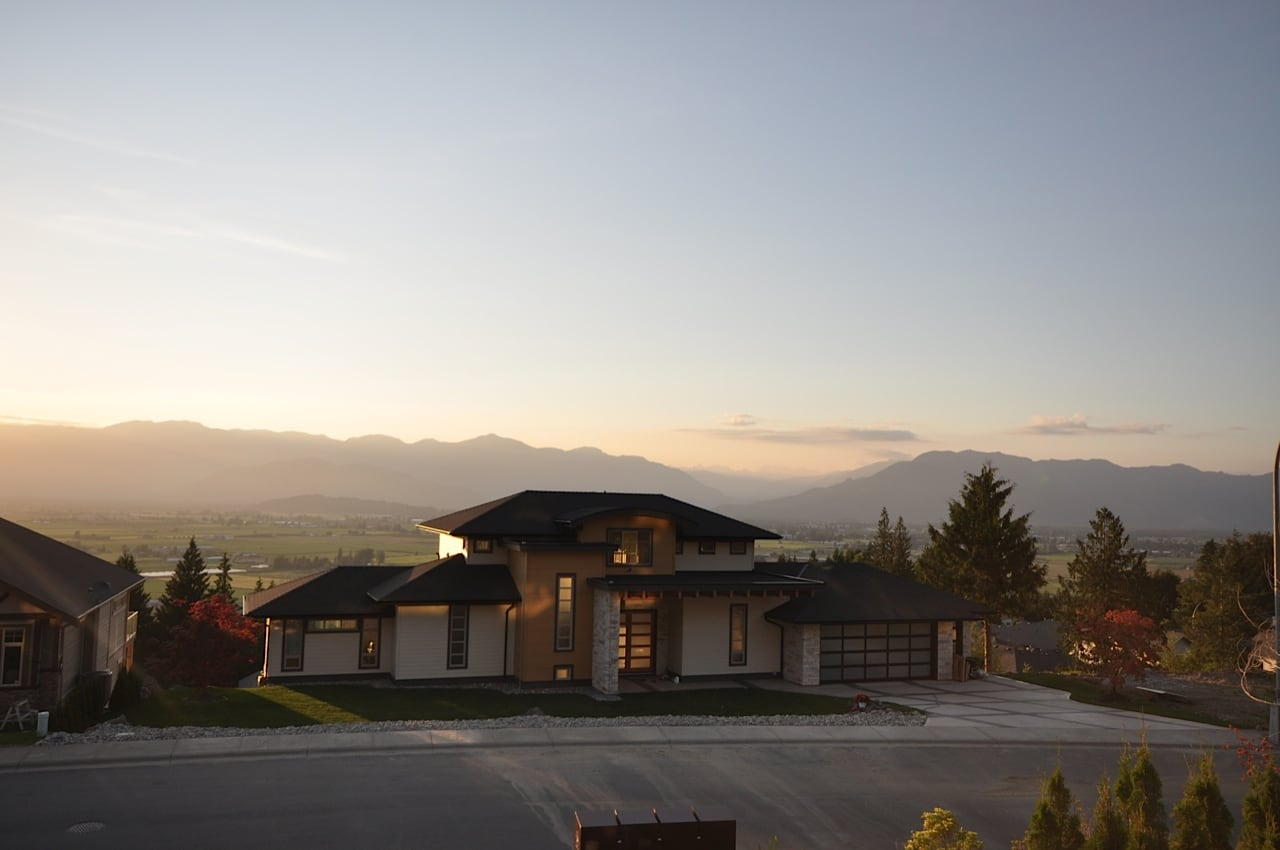 custom home in Marble Hill