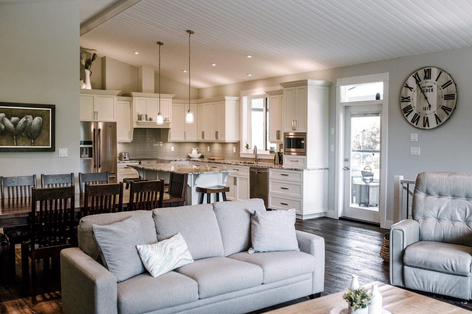 custom home in Greendale